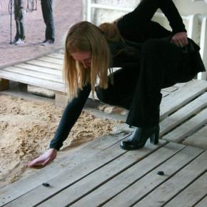 2009-2  фрагмент экспозиции с пляжем